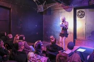 Performans – Alex Alvina Chamberland: My Femininity © Rebeka Bernetič